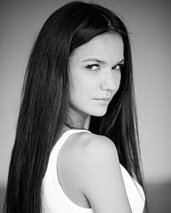 Аделина Шарипова стала девушкой криминального авторитета