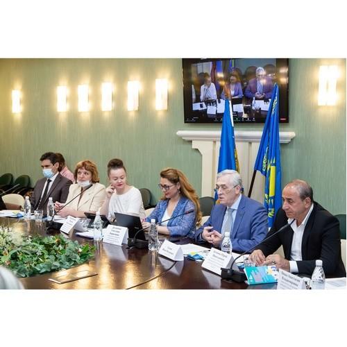 В УрГЭУ состоялся дискуссионный круглый стол