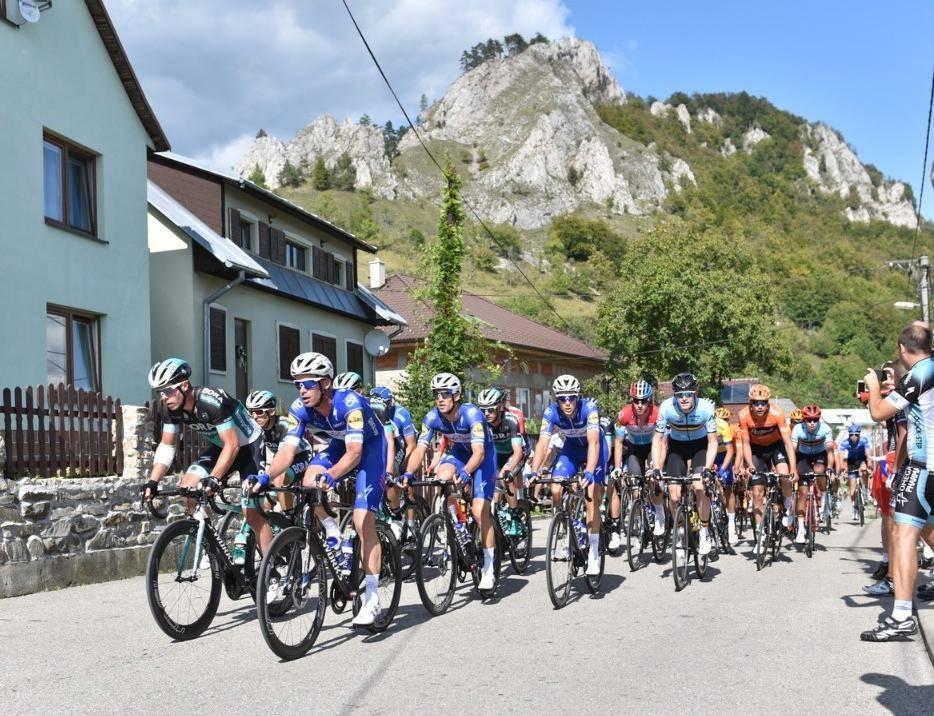 Компания Deceuninck стала титульным спонсором команды №1 в мире по велосипедному спорту