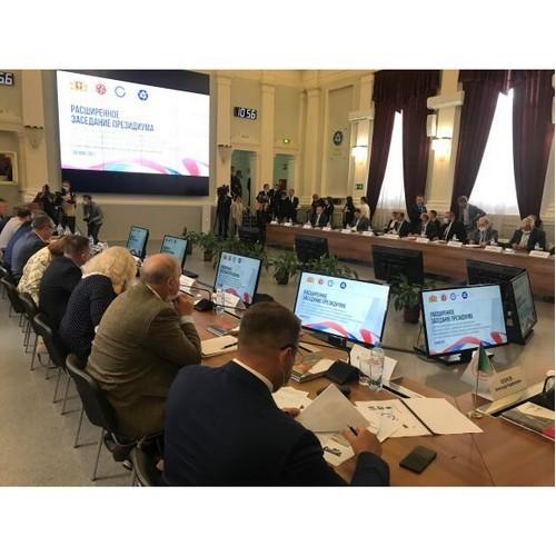 Евгений Куйвашев принял участие в работе регионального совета