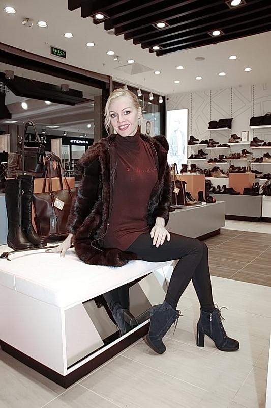 Ирина обожает обувь на высоком каблуке