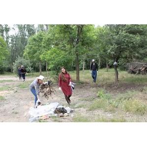 Дагестанские активисты ОНФ провели субботник в Эльтавском лесу