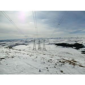 ФСК ЕЭС установила на южных линиях электропередачи птицезащитные устройства