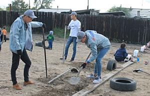 Благодаря активистам ОНФ в Туве на месте ликвидированной свалки организована детская площадка