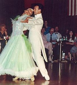 Станислав Попов танцует и счастлив в свой юбилей!