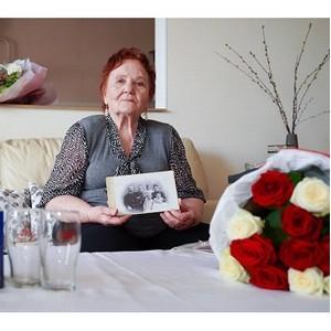 Балтика поздравила внучку легендарного ростовского пивовара с юбилеем