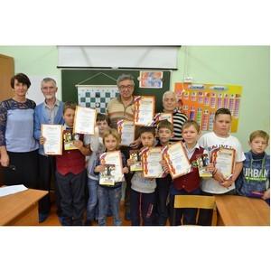 День пожилого человека отметили турниром по шашкам