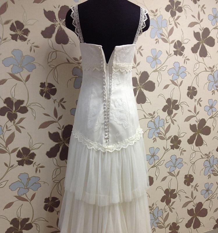 Свадебное платье. Вид сзади.