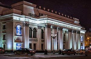 """Архитектурное освещение """"Зимнего театра"""" от IntiLED"""