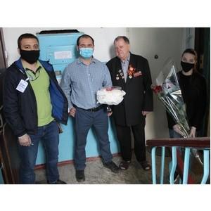 Активисты ОНФ в КБР поздравили ветерана с днем рождения