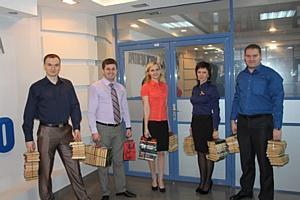 Около восьмисот книг подарили костромские энергетики областной библиотеке