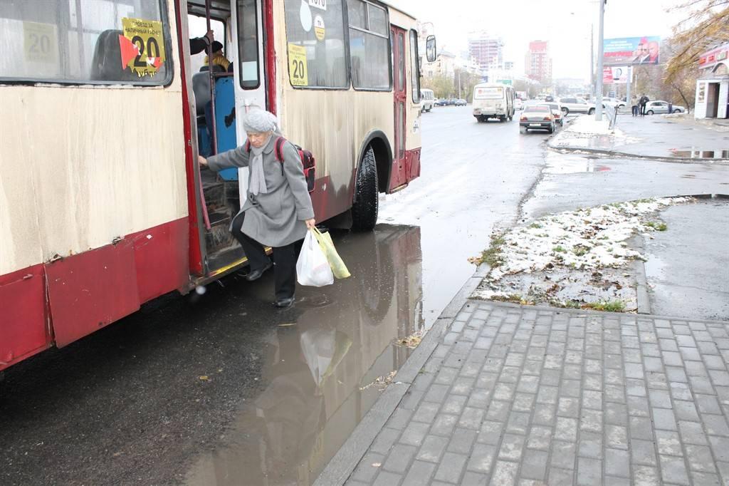 Активисты Народного фронта выявили небезопасные отремонтированные автодороги Челябинска