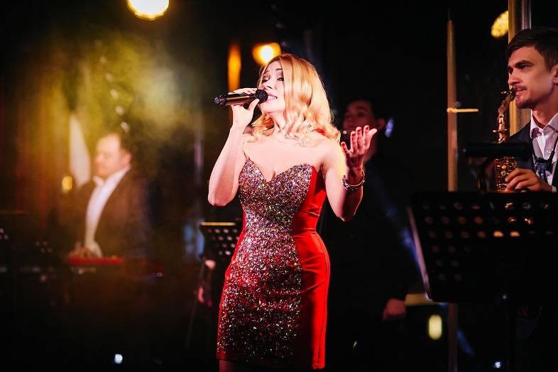 Программа «Выход в свет» насладилась творчеством певицы В. Андреевой