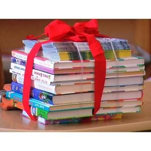 При поддержке Благотворительного фонда «Сафмар» в московских парках проходит акция «Книга в подарок»