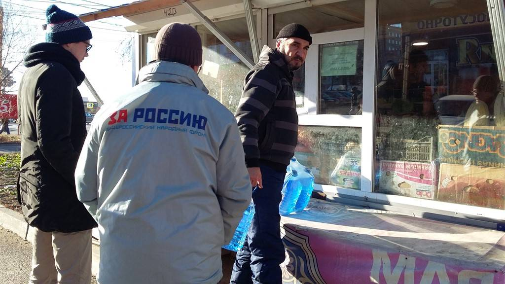 Активисты ОНФ провели мониторинг незаконных точек продаж незамерзайки в Челябинске