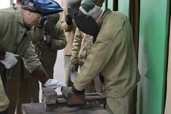 В Мариинской воспитательной колонии прошёл конкурс профмастерства «Электросварщик ручной сварки»