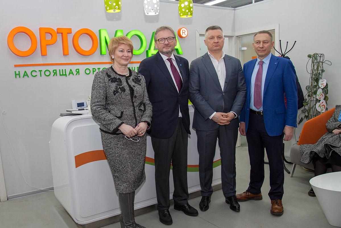 Кандидат в президенты РФ Б. Титов посетил фабрику «Ортомода»