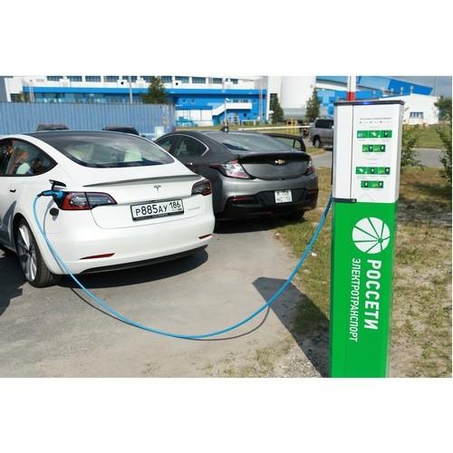 Энергетики открыли новую электрозарядную станцию в ХМАО-Югре