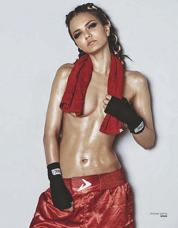Аделина Шарипова в Академии бокса