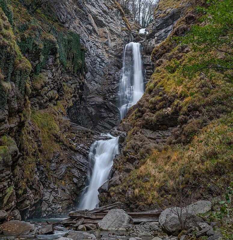 Водопад «Безымянный» в Адлерском районе Сочи