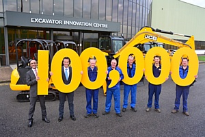 Компания JCB выпустила 100-тысячный мини-экскаватор