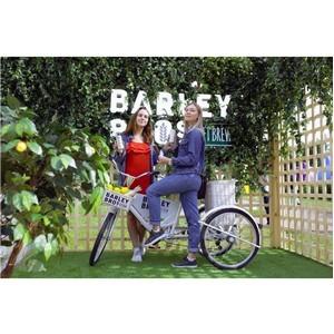 Получается естественно: Barley Bros поддержал VK Fest
