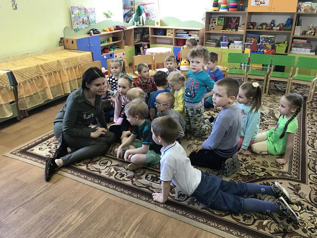 Доверительная беседа Ольги Лебедевой с вышневолоцкими детьми