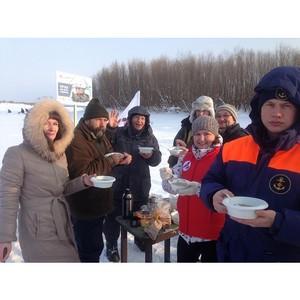 «Молодежка ОНФ» в Коми в рамках акции «Уха на всю страну» приготовила ее для рыбаков на Сысоле