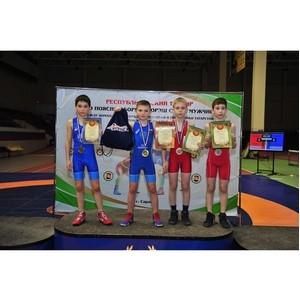 «Молодёжка ОНФ» поздравила победителей по спортивной борьбе в Мордовии