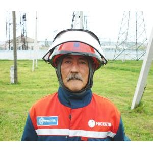 Профессия энергетик: Тридцать лет неся свет людям