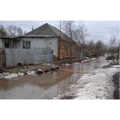Власти Острогожска сделают на Краснознаменной водопровод и дорогу