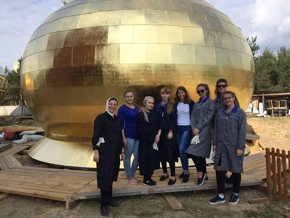 Студенты РАНХиГС приняли участие в церемонии освящения куполов собора в честь Воскресения Христова