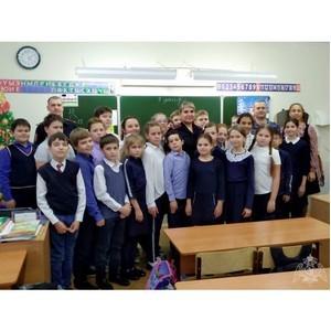 Новокузнецкие росгвардейцы рассказали школьникам о подвигах