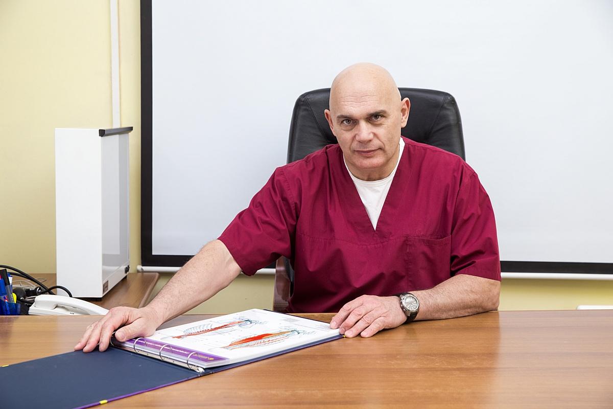 Сергей Михайлович Бубновский проводит прием в своем центре по адресу пр. Динамо, 44