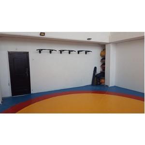 Активисты ОНФ на Камчатке отремонтировали школьный спортзал для самбо