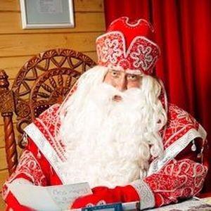 18 ноября главный участник всех новогодних гуляний отметил важную праздничную дату
