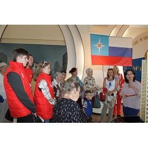 Челябинская команда «Молодежки ОНФ» организовала для пенсионеров экскурсию