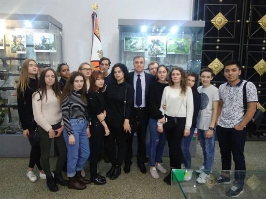 Студенты НИЕВ посетили музей Вооруженных Сил