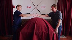 Павел Буре и Уэйн Гретцки объединяют российских и канадских хоккейных болельщиков