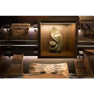 В Санкт-Петербурге открылась выставка древних африканских музыкальных инструментов - калимб