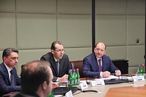Председатель Совета директоров Корпорации УВЗ В. Артяков представил нового генерального директора