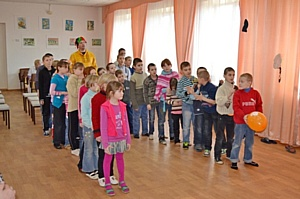 Дети Украины и России одинаково рады Масленице