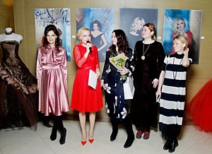 До 12 марта в галерее «Неглинная» - выставка «Аксиома красоты» с голливудским блеском селебрити
