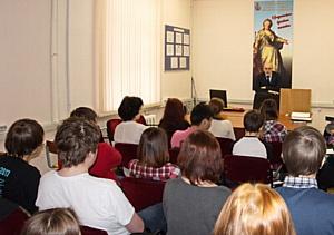 Ректор НИЕВ встретился со студентами юрфака